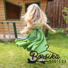 Zöld PÖRGŐS ruha kalotaszegi motívummal, csipkével díszítve