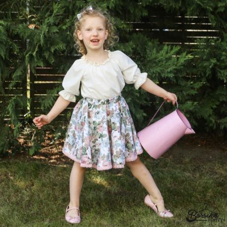 Kislány nyári szoknya, fehér alapon halványrózsaszín rózsás