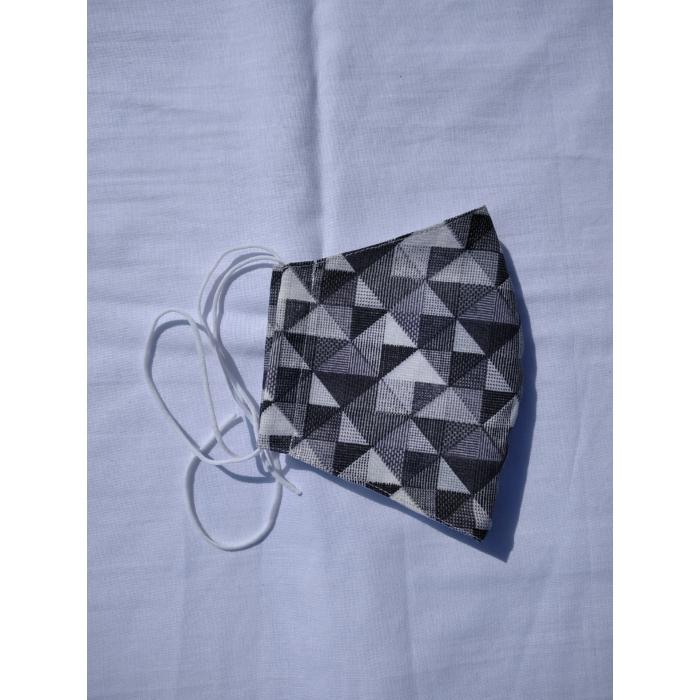 SZÁJMASZK Designer, 3 rétegű, Fekete-Szürke Háromszög Mintás, Orrmerevítős