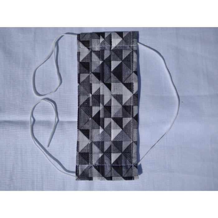 SZÁJMASZK 3 hajtásos 2 rétegű fekete-szürke Háromszög Mintás