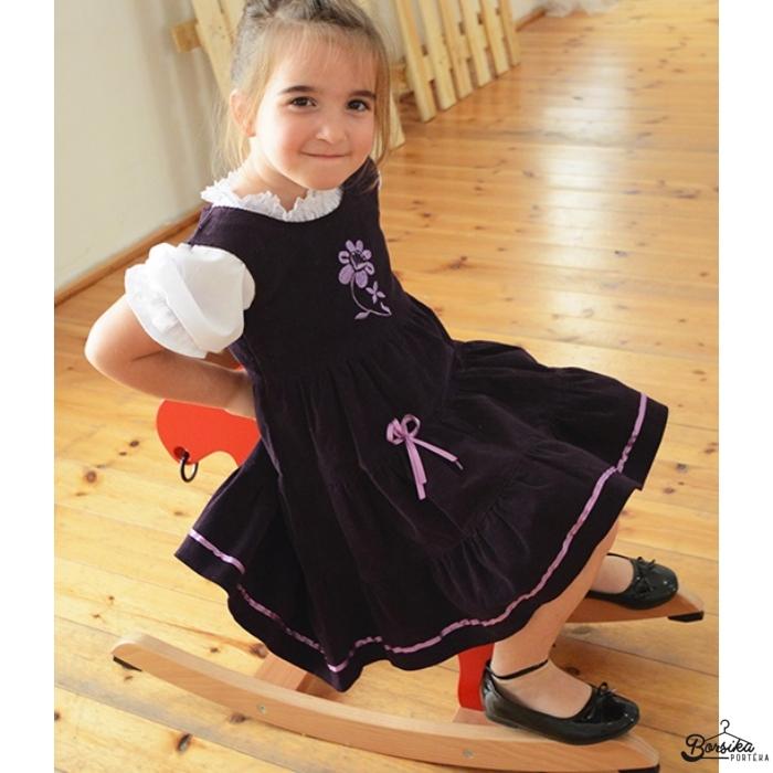 Padlizsán lila kordbársony ruha lila hímzéssel
