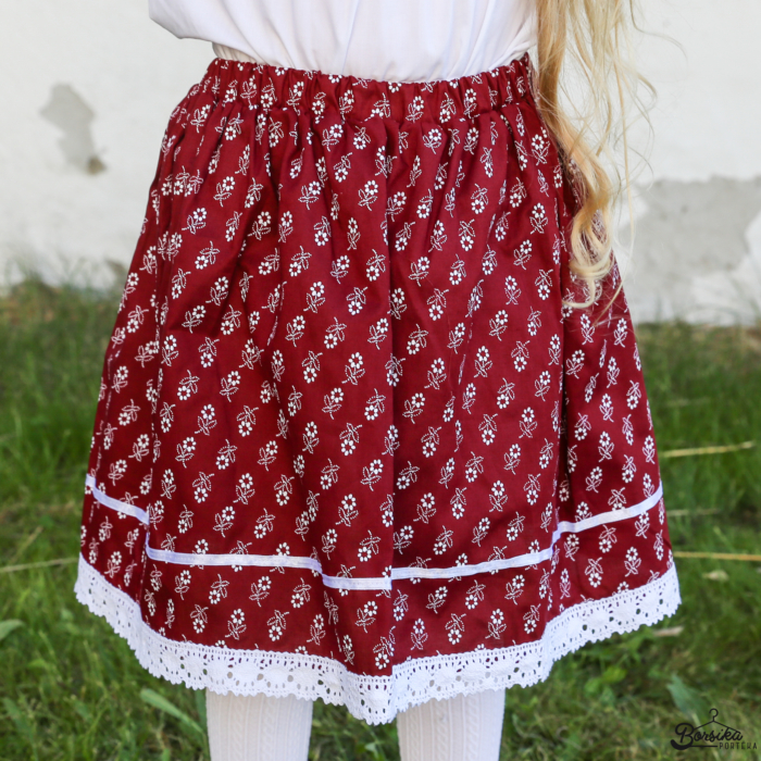 Bordó színű, apró virágos néptáncos szoknya (NEM pörgős, 150 cm körben)